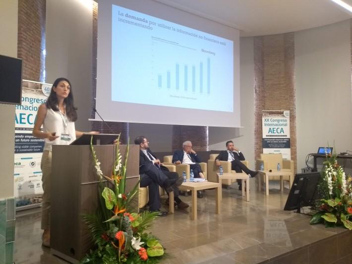"""Ponencia María Mora """"Elaboración y Verificación de la Información No Financiera"""""""